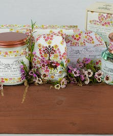 Library of Flowers Gift Set
