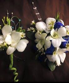 White Dendrobium Wristlet